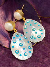 Load image into Gallery viewer, Beautiful Precious Stone Hanging Earring