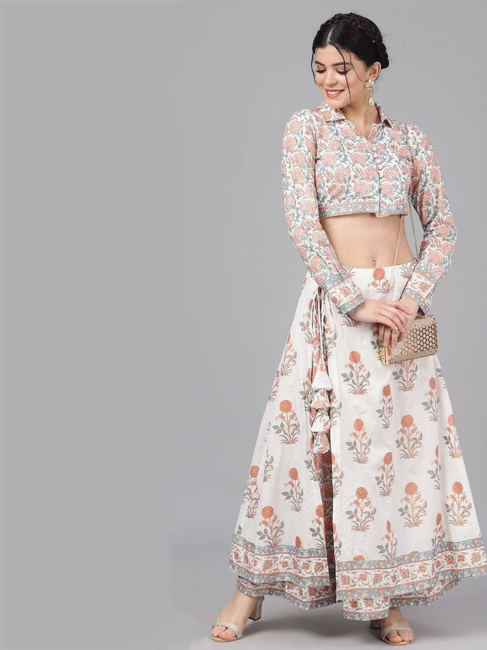 Elegant Off-white & Peach coloured Khari print crop top & skirt