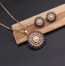 Load image into Gallery viewer, Stone studded neckpiece with earring