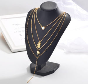 Stylish multilayered neckpiece