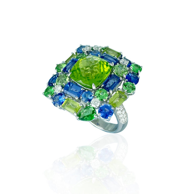 Peridot & multi-coloured stone ring, crafted in 18 karat yellow gold.
