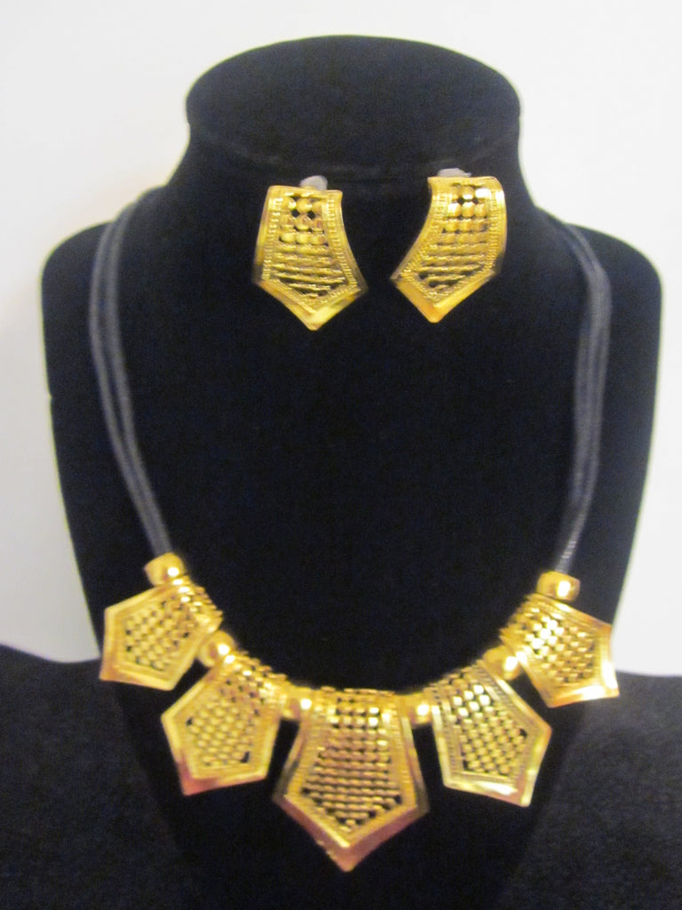Gracious (Necklace & Earring Set)