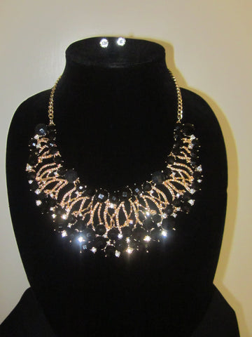 Runway Beauty (Necklace & Earring Set)