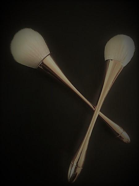 PRO-Pink Blush/Powder Brush