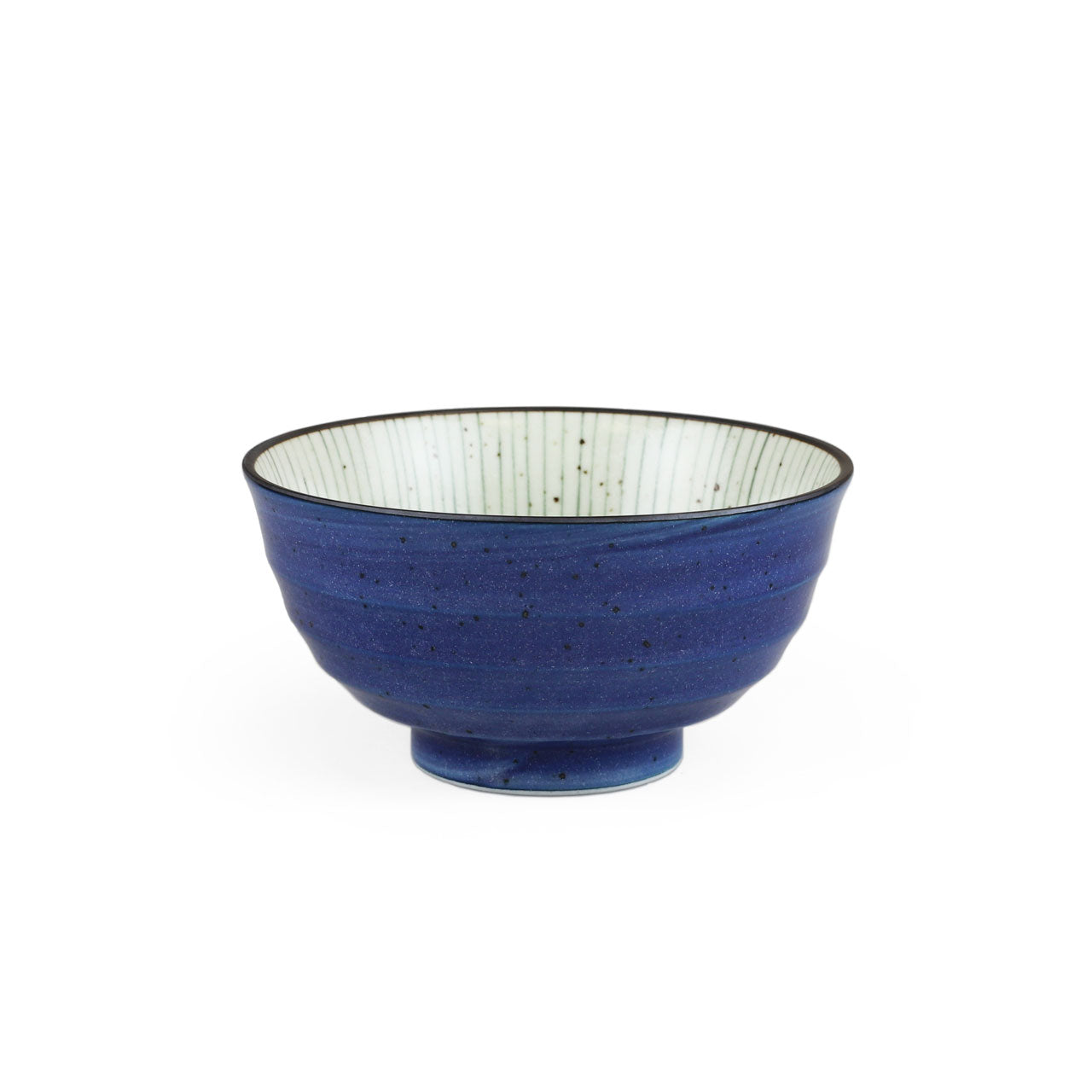 "Tokusa Blue Lined Interior Donburi Bowl 35 fl oz / 6.73"" dia"