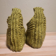 Load image into Gallery viewer, Made to Order- Hand Knit Slippers