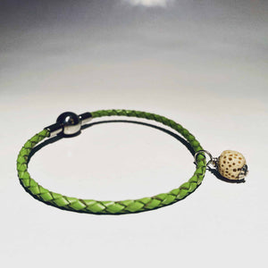 green fragrance bracelet