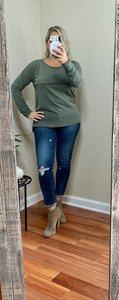 Long Sleeve Round Neck Top w/ Outside Stitch
