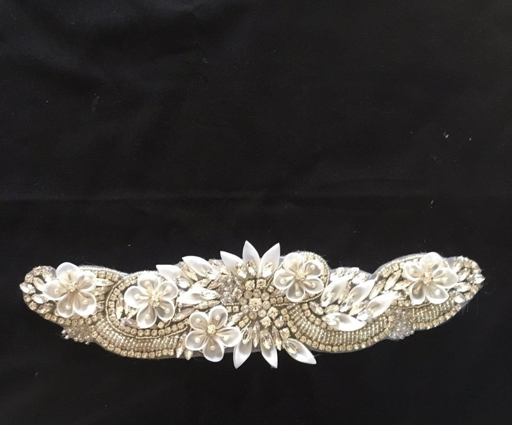 White Flower Beaded Rhinestone Applique
