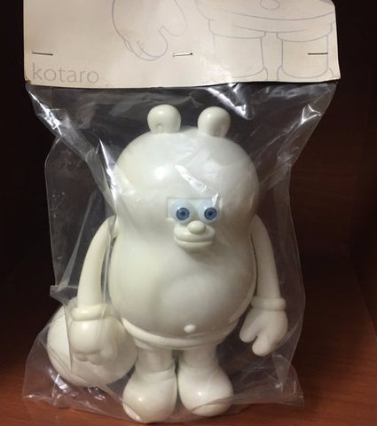 "Silas T9G Kotaro All White Ver 8"" Vinyl Figure"