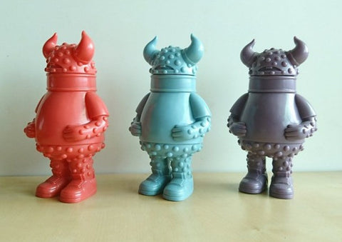 "Intheyellow 2009 MOGraphixx Itch Blue Purple Red Ver 3 6.5"" Vinyl Figure Set Used"