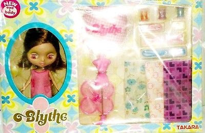 Takara Tomy Petite Blythe Sewing My Way Pink Action Doll Figure - Lavits Figure