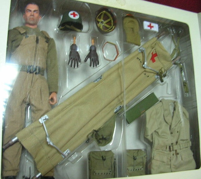 Dragon 1 6 12 Wwii U S Army Medic Doc Peterson Action Figure Set