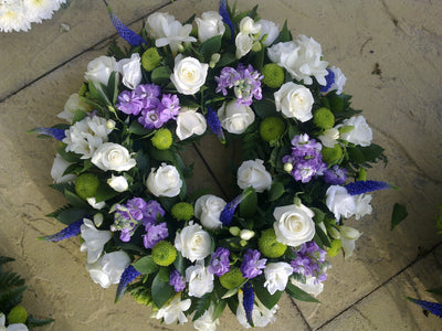 Loose Wreath lilac white and green