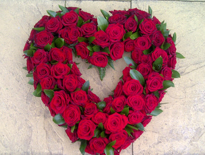 open heart wreath  roses red