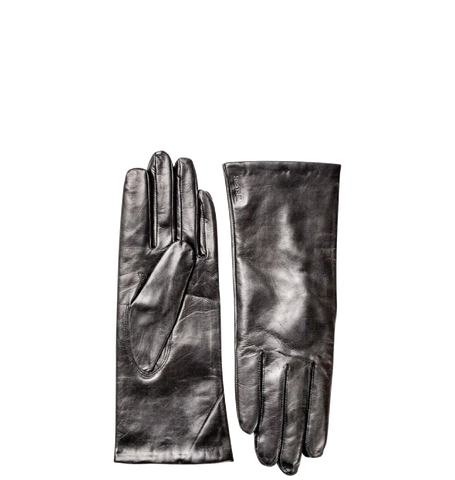 Elisabeth Glove, Black