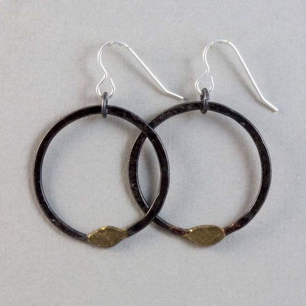Clustdlysau Hwp Haearn 'Gwlith' Iron Hoop Earrings