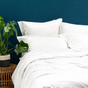 White 400TC Bedding Set from Beaumont & Brown