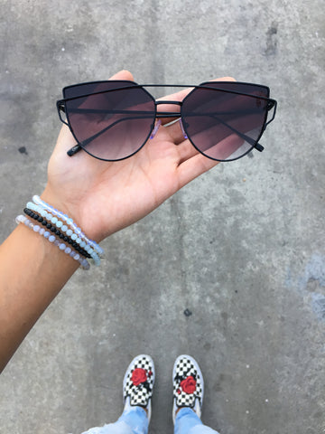 Cat Eye  Lens Giant Velvet Sunnies