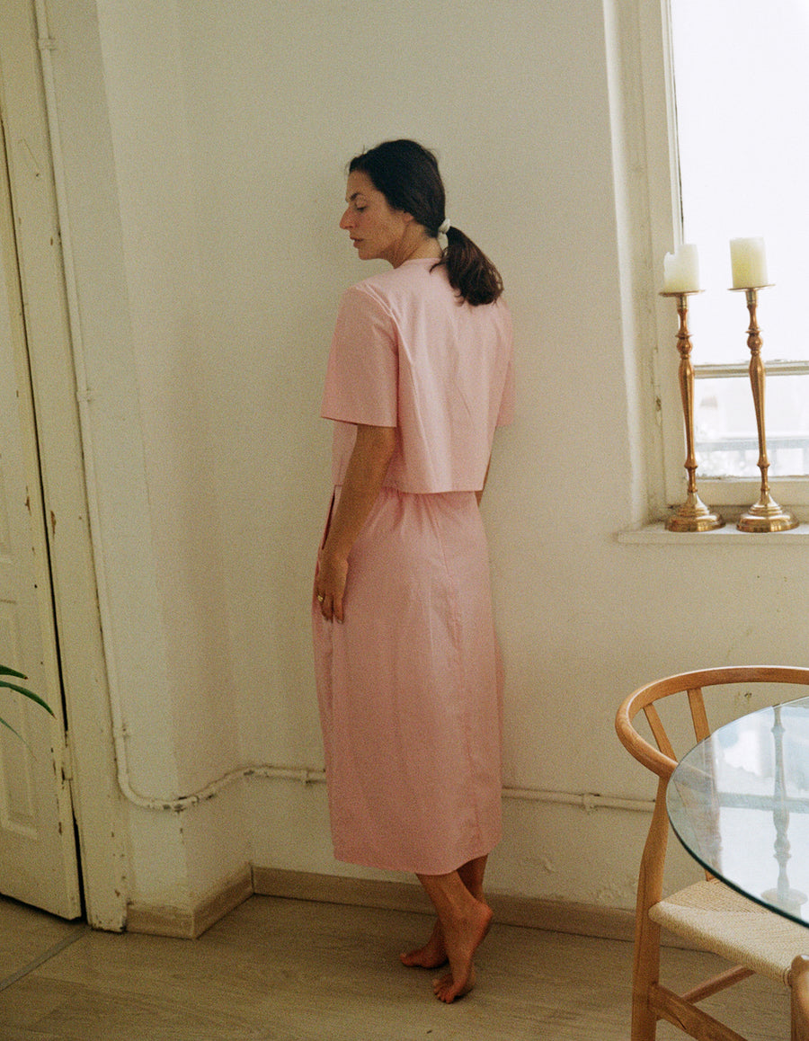 The tailored skirt in pastel pink