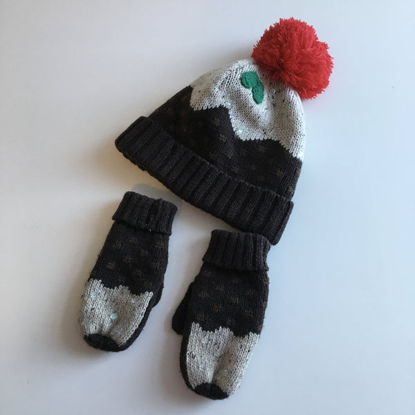 Debenhams Christmas Pudding Knitted Bobble Hat and Mittens- Unisex 7-10yrs