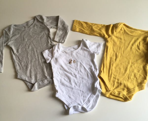 John Lewis Bodysuit Bundle - Grey/Yellow/ White Rabbit - Unisex 3-6m