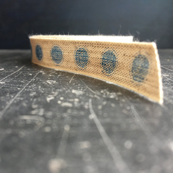 Linen ribbon with blue dot from Caltonberry