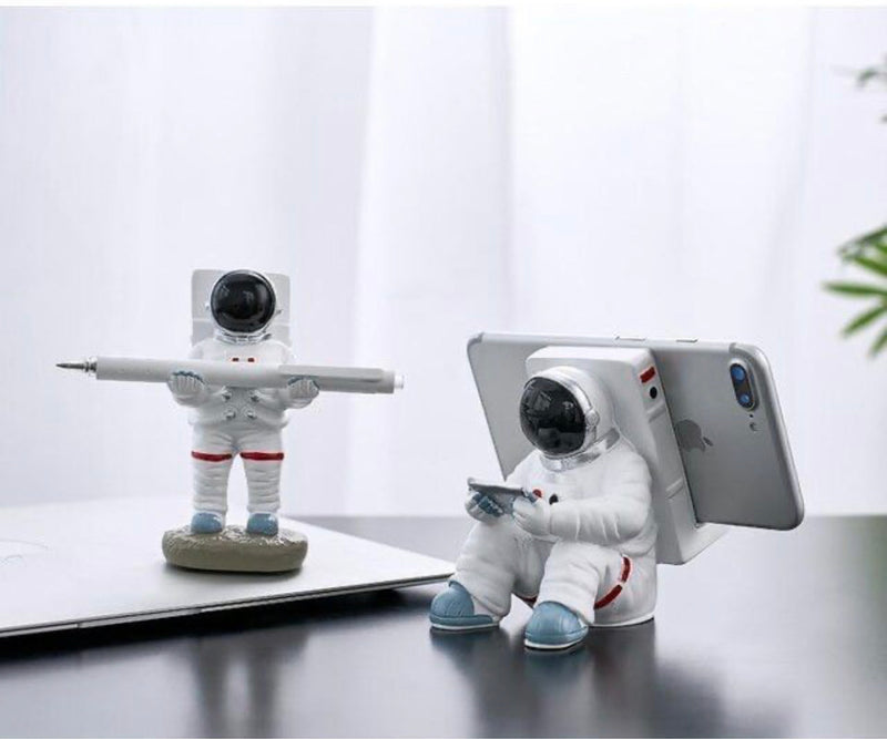 Creative Penholder Mobile Phone Stand Resin Astronaut