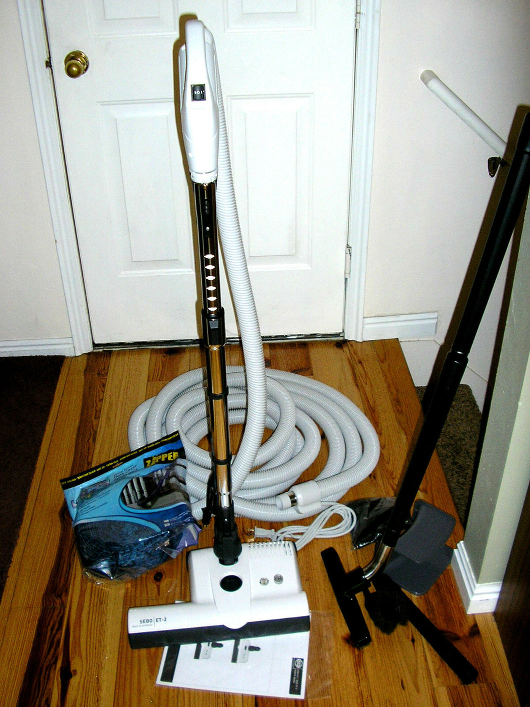 Central Vacuum 35 Foot Hose Accessory Kit Featuring Sebo ET-2 Carpet Power Head