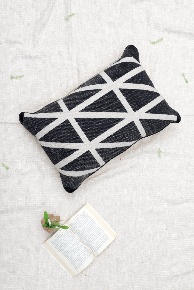 BIRMINGHAM - LUMBAR CUSHION COVER - BLACK - ART AVENUE