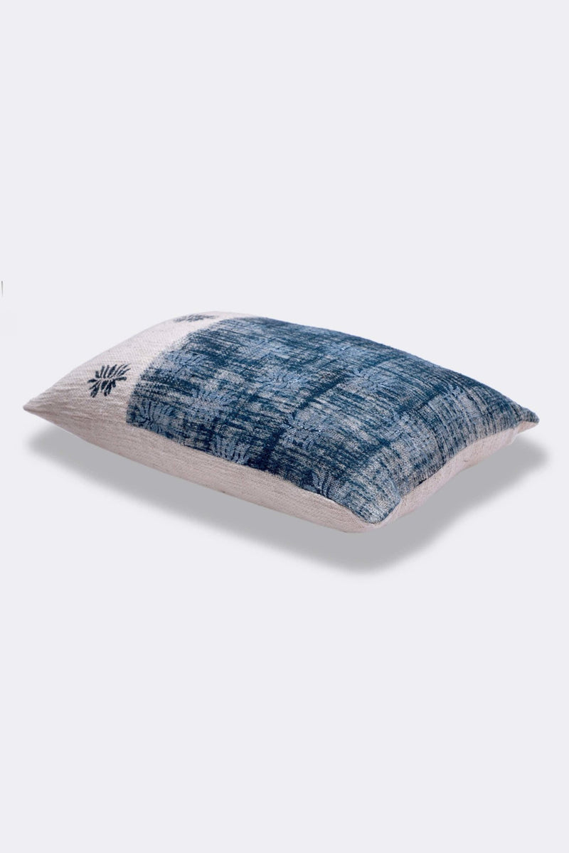 JACKSONVILLE - LUMBAR CUSHION COVER - BLUE - ART AVENUE