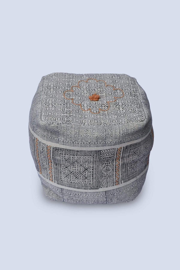 LAST - CUBICAL POUF-OFF WHITE - ART AVENUE