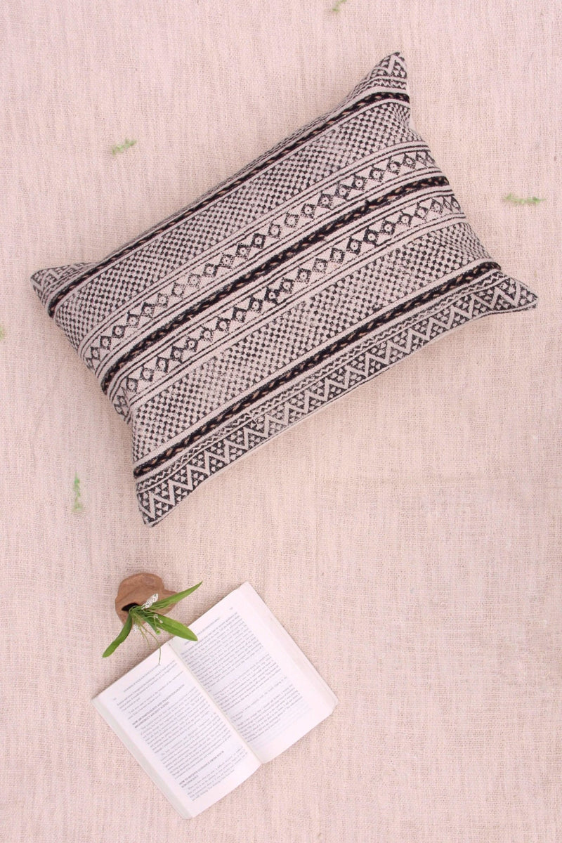 MONO - LUMBAR CUSHION COVER -OFF WHITE & BLACK - ART AVENUE