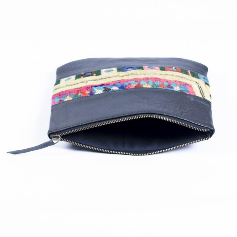 NELSON- LEATHER POUCH - NAVY BLUE - ART AVENUE