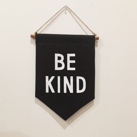 BE KIND Banner / small, black
