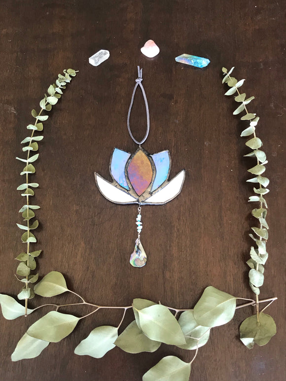 **SOLD OUT**Mini Iridescent Lotus