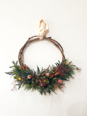 Open image in slideshow, Wreath only (Fresh or Dried)
