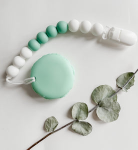 The MINT MACAROON Pendant Teether