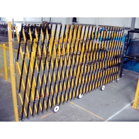 8M Portable Expandable Barrier with Wheels
