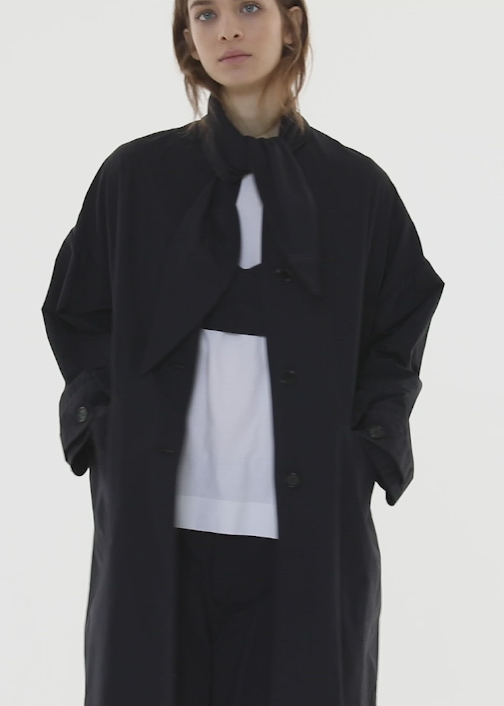 BOW NECK LIGHT COAT