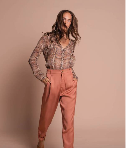 Satin Cropped Pant in Coral