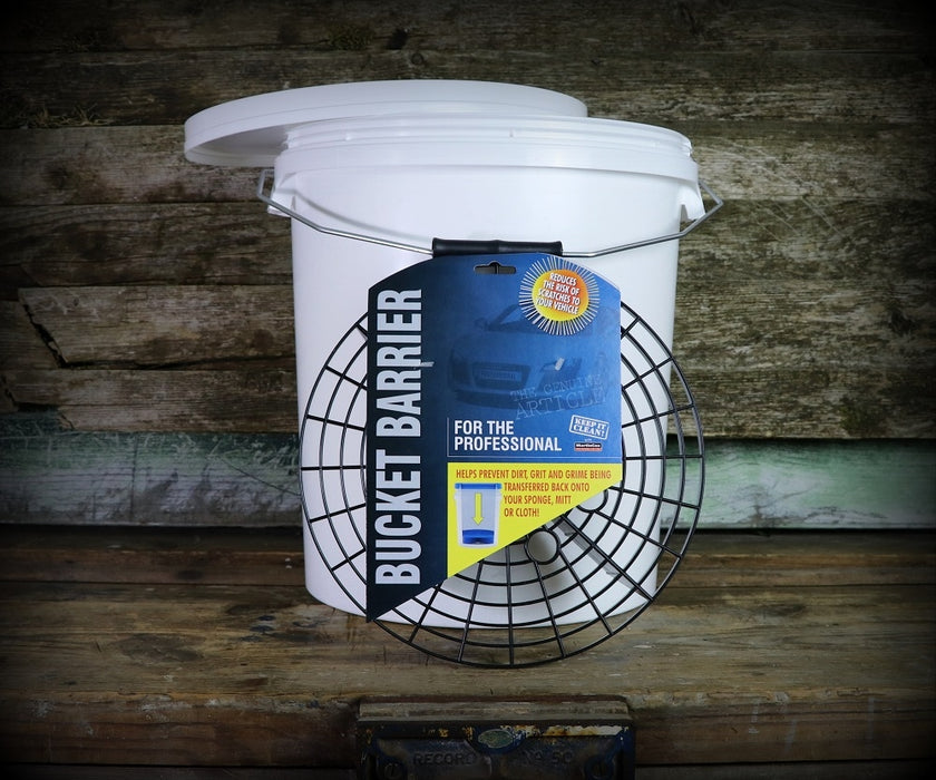 Martin Cox 5 Gallons Bucket with Free Bucket Barrier