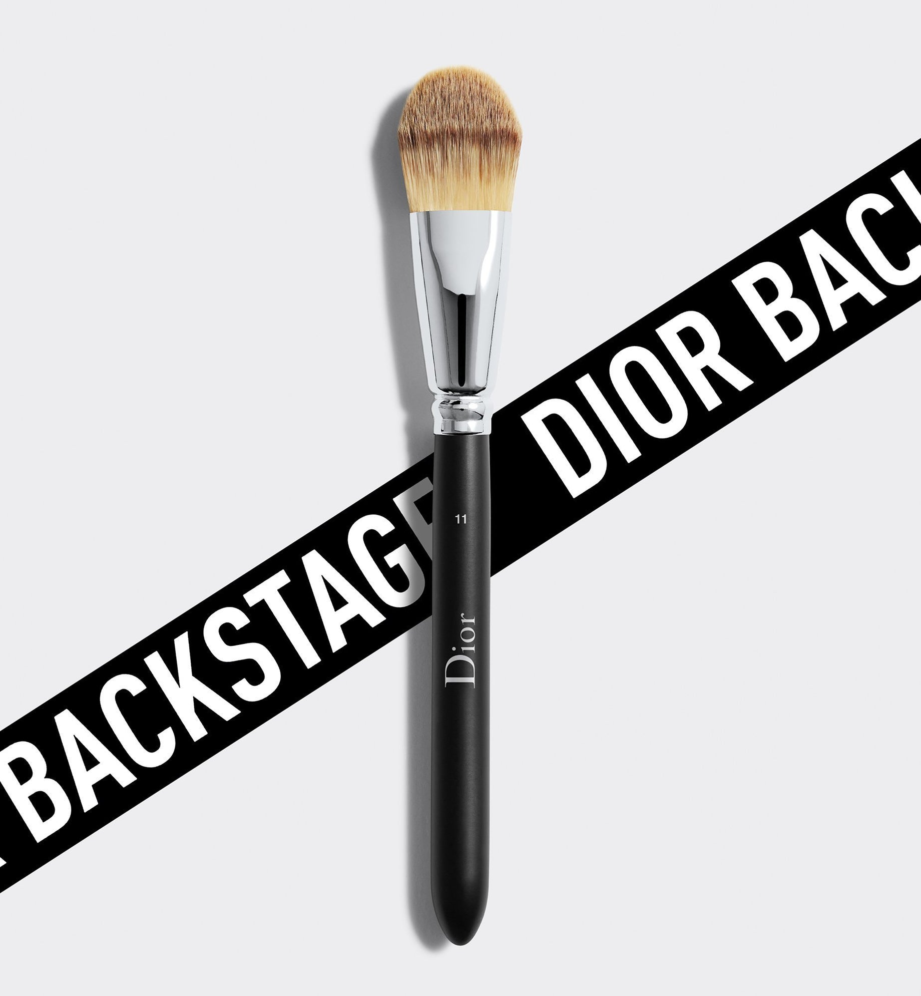 DIOR BACKSTAGE LIGHT COVERAGE FLUID FOUNDATION BRUSH N°11