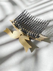 Sigrid Kuusk, hair-comb, golden shine. Estonian Jewellery.