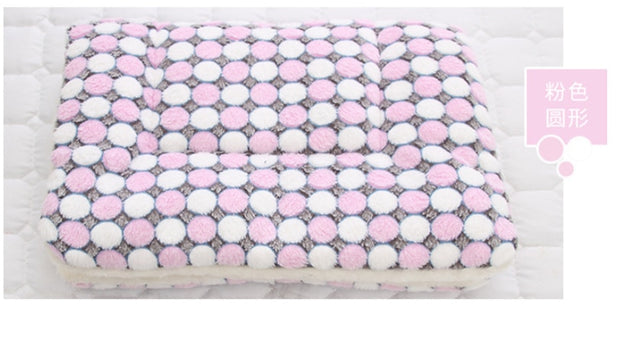 Soft Flannel Thickened Fleece Dog Mat.