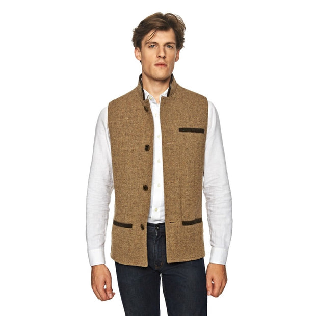 Man wearing Shetland Wool Darzi gilet in camel brown