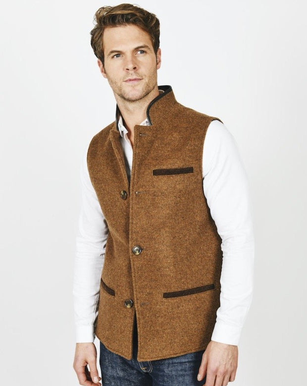 Man wearing Mouse Brown merino wool Darzi gilet