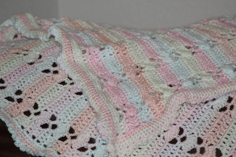 Lace-pattern crocheted baby blanket/afghan