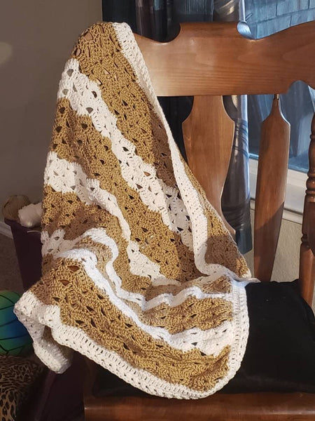 Shell-lace pattern crochet baby blanket/afghan