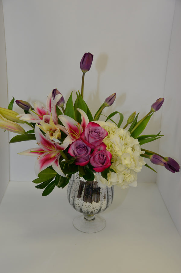 EFM107 Elegant Touch - Euro Flowers Mississauga ON